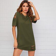 Einfarbiges T-Shirt Kleid mit Riss Detail