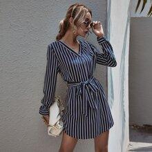 Vestido tunico con cinturon de rayas verticales