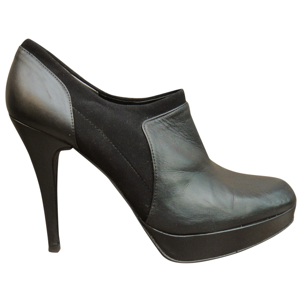 Stuart Weitzman \N Black Leather Ankle boots for Women 40 EU