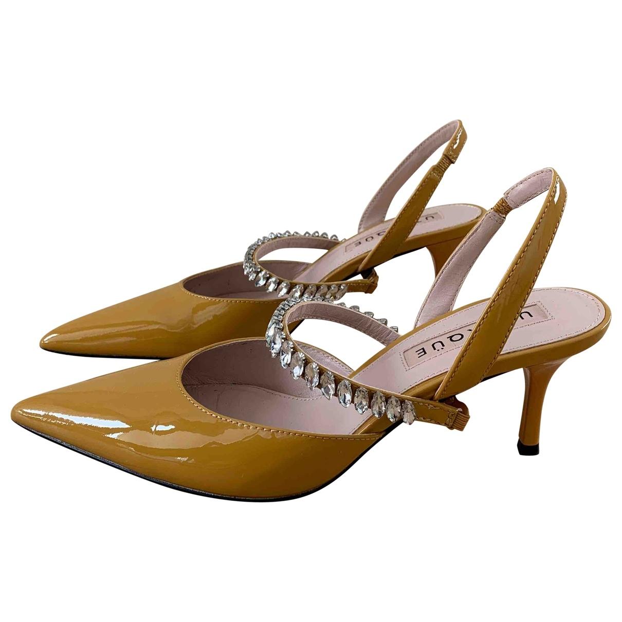 Uterque \N Sandalen in  Gelb Lackleder