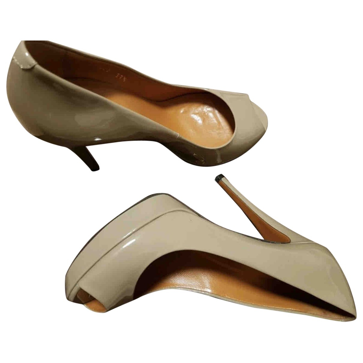 Gucci \N Beige Leather Heels for Women 37.5 EU