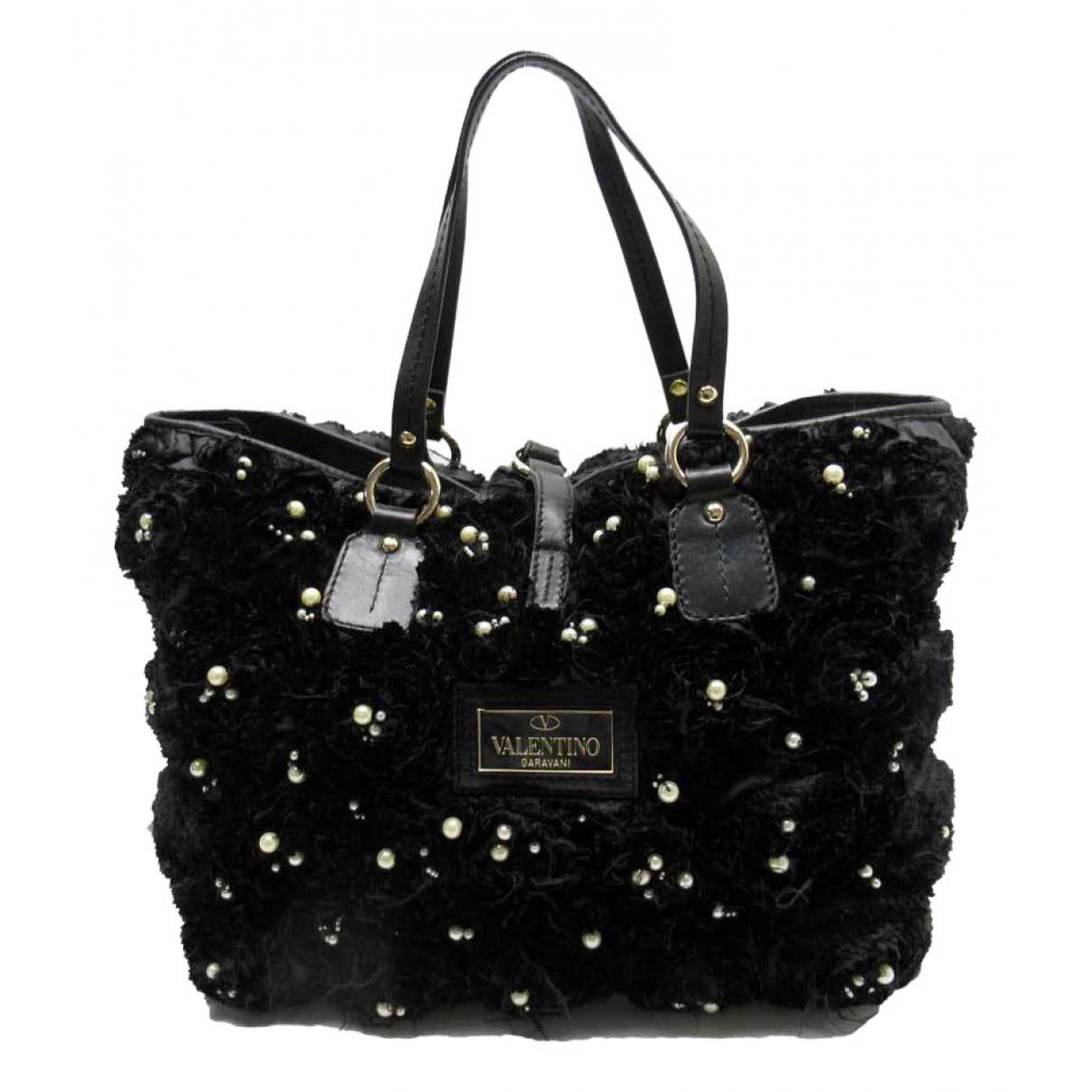 Valentino Garavani \N Black Silk handbag for Women \N