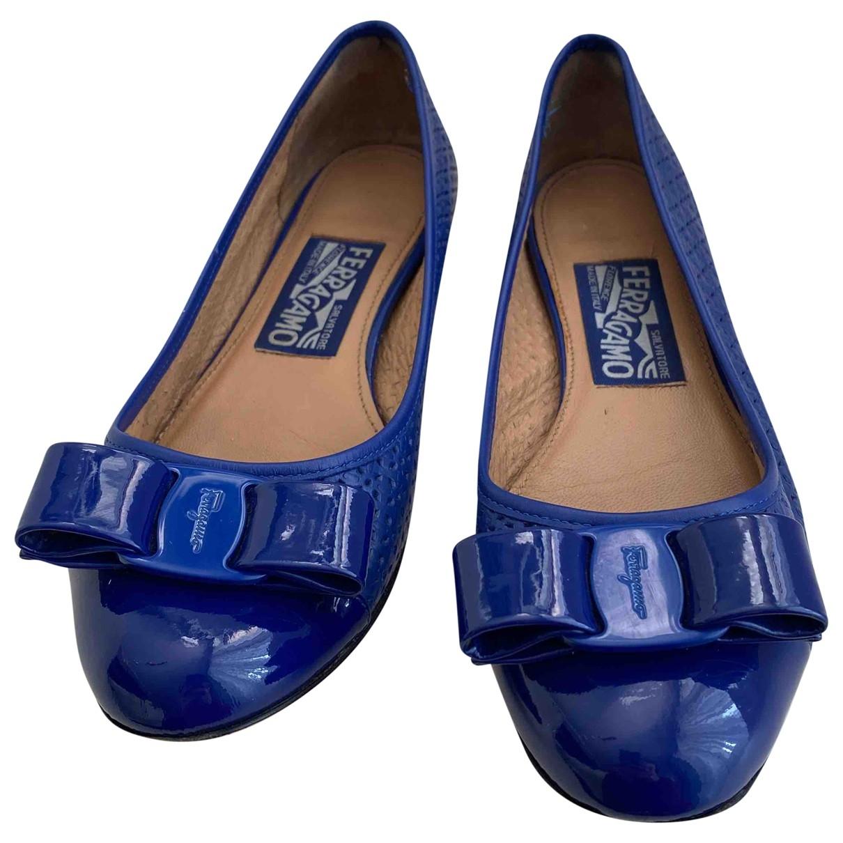 Salvatore Ferragamo Vara Grey Patent leather Ballet flats for Women 5 US