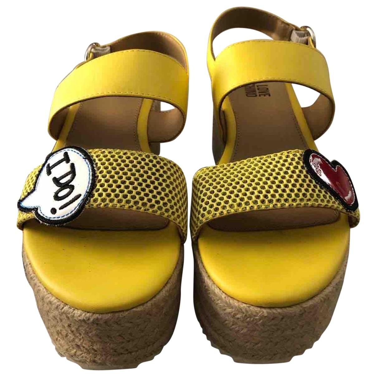 Sandalias romanas de Cuero Moschino Love