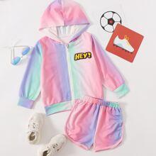 Kapuzenpullover mit Buchstaben Flicken und Farbverlauf & Track Shorts