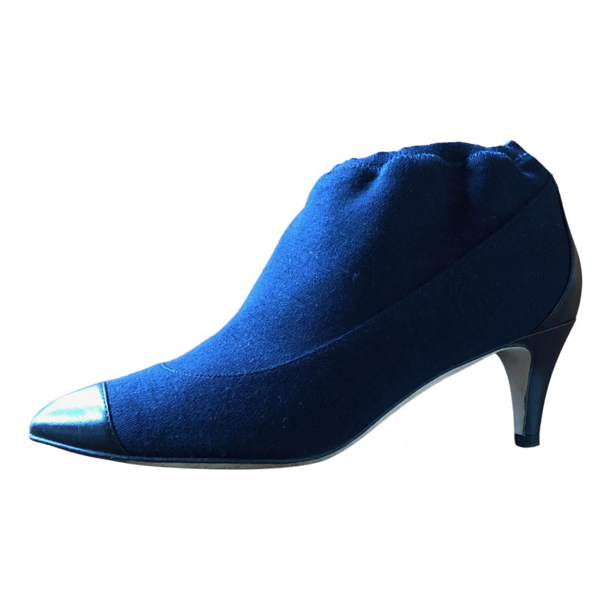 Chanel \N Stiefeletten in  Blau Veloursleder