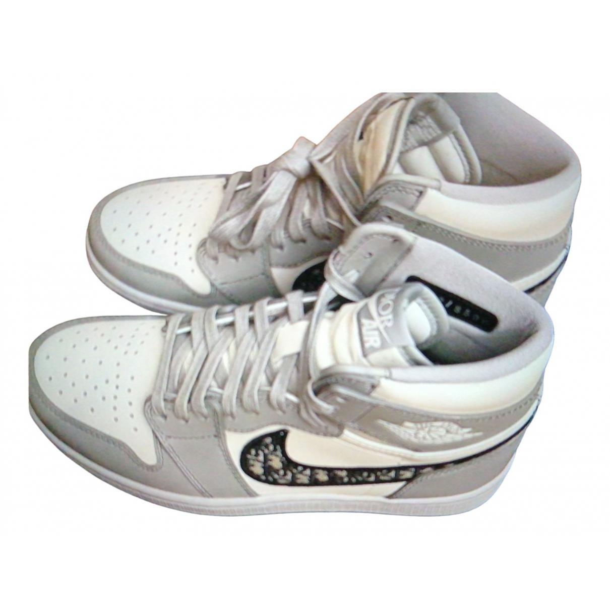 Dior \N Sneakers in Veloursleder