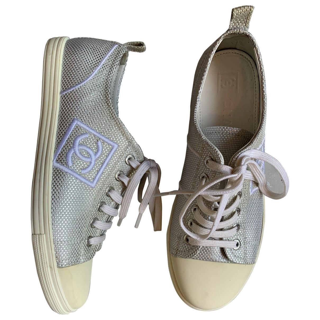 Chanel \N Sneakers in  Silber Leinen