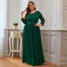 Plus Guipure Lace V-back Maxi Prom Dress