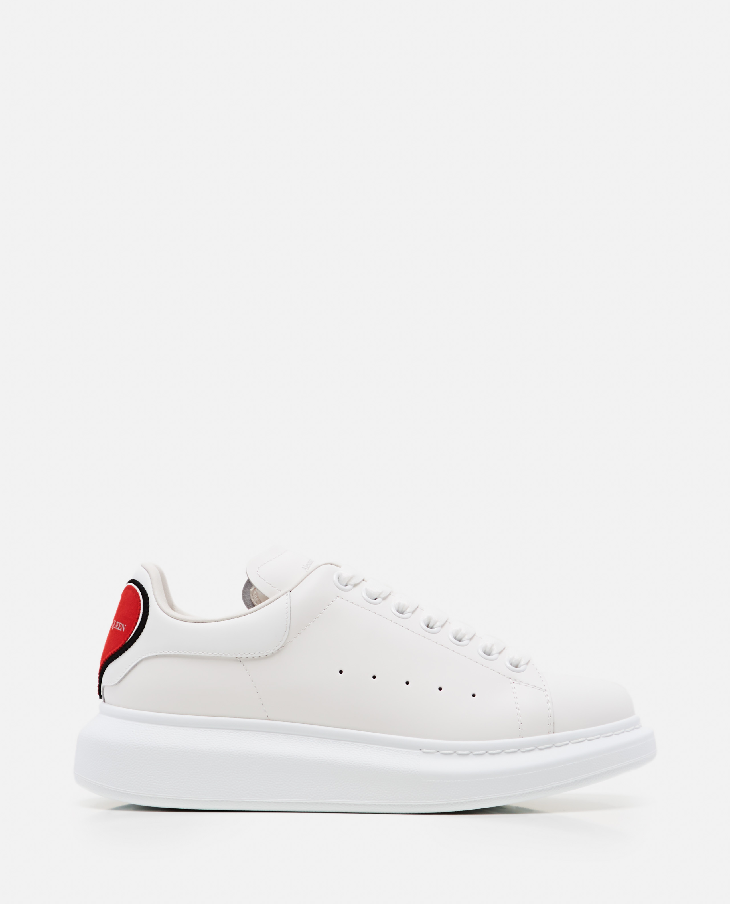 OVERSIZE SNEAKERS WITH HEART PATCH