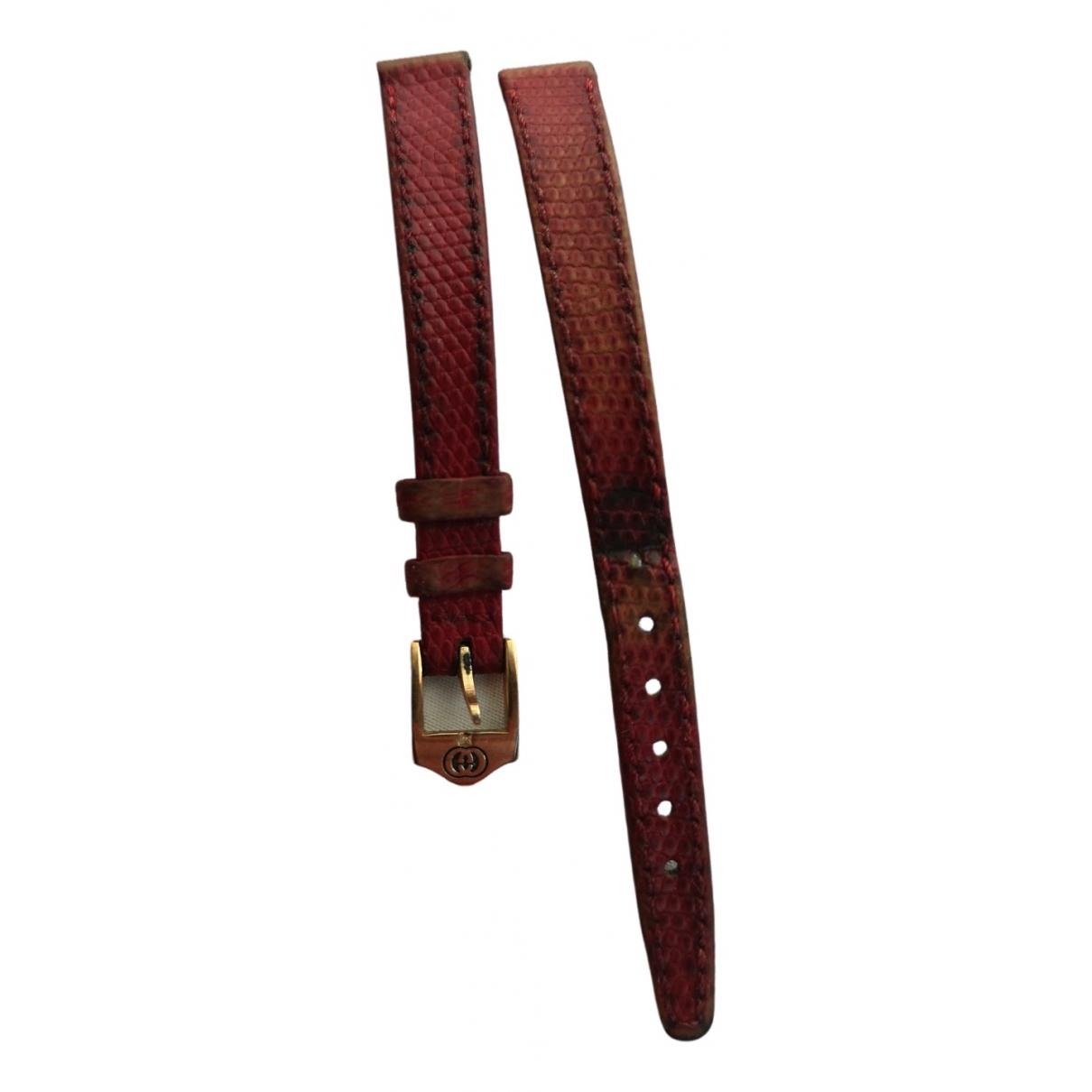 Gucci \N Uhr in  Rot Exotenleder