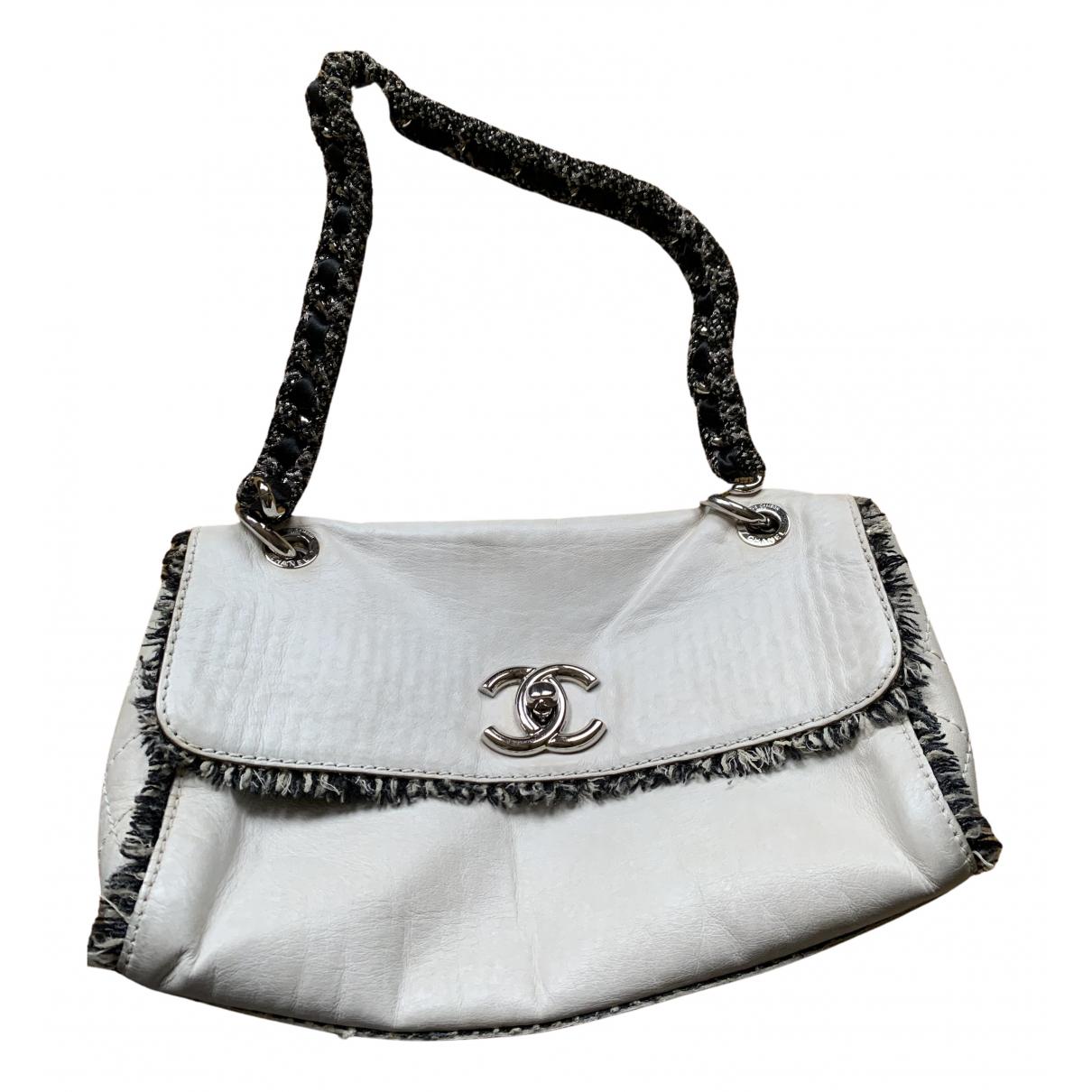 Chanel \N Handtasche in  Weiss Leder