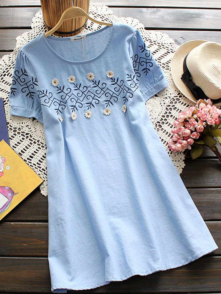 Women Round Neck Solid Color Ambroidered Loose Hem Shirts