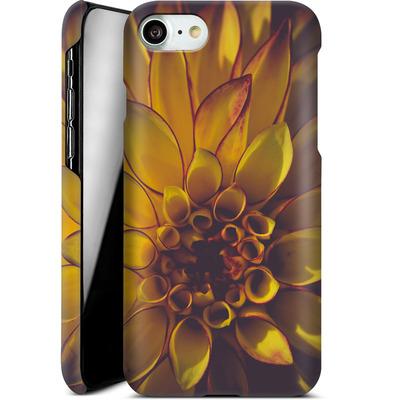 Apple iPhone 7 Smartphone Huelle - Yellow Dahlia von Joy StClaire