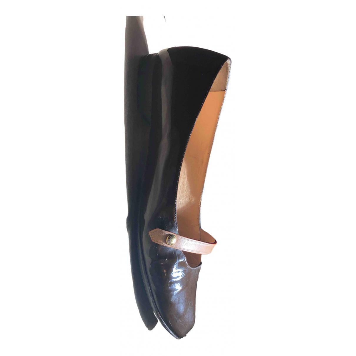 Louis Vuitton \N Ballerinas in  Braun Lackleder