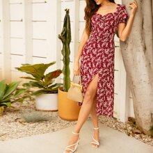 Kleid mit Herzen Kragen, Ruesche vorn, Raffung und hohem Schlitz