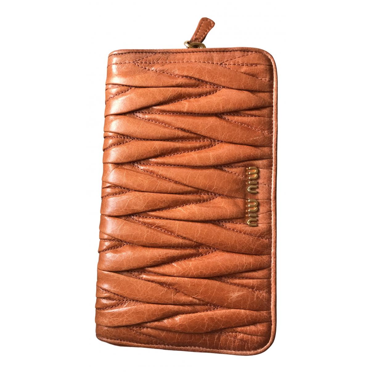 Miu Miu \N Portemonnaie in  Orange Leder