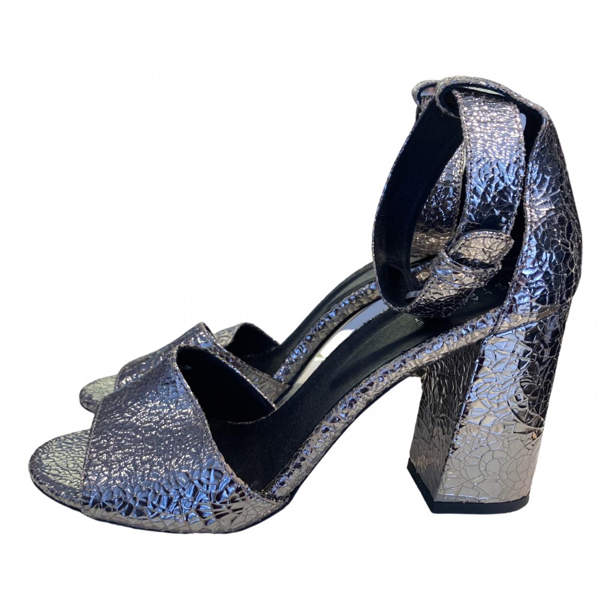 Claudie Pierlot \N Sandalen in  Silber Leder