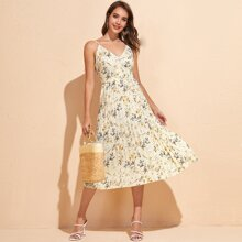 Cami Kleid mit Blumen Muster und Falten am Saum