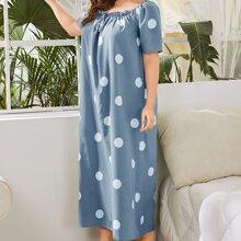 Nachtkleid mit Punkten Muster, Ruesche und Knoten