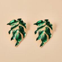 Leaf Design Stud Earrings
