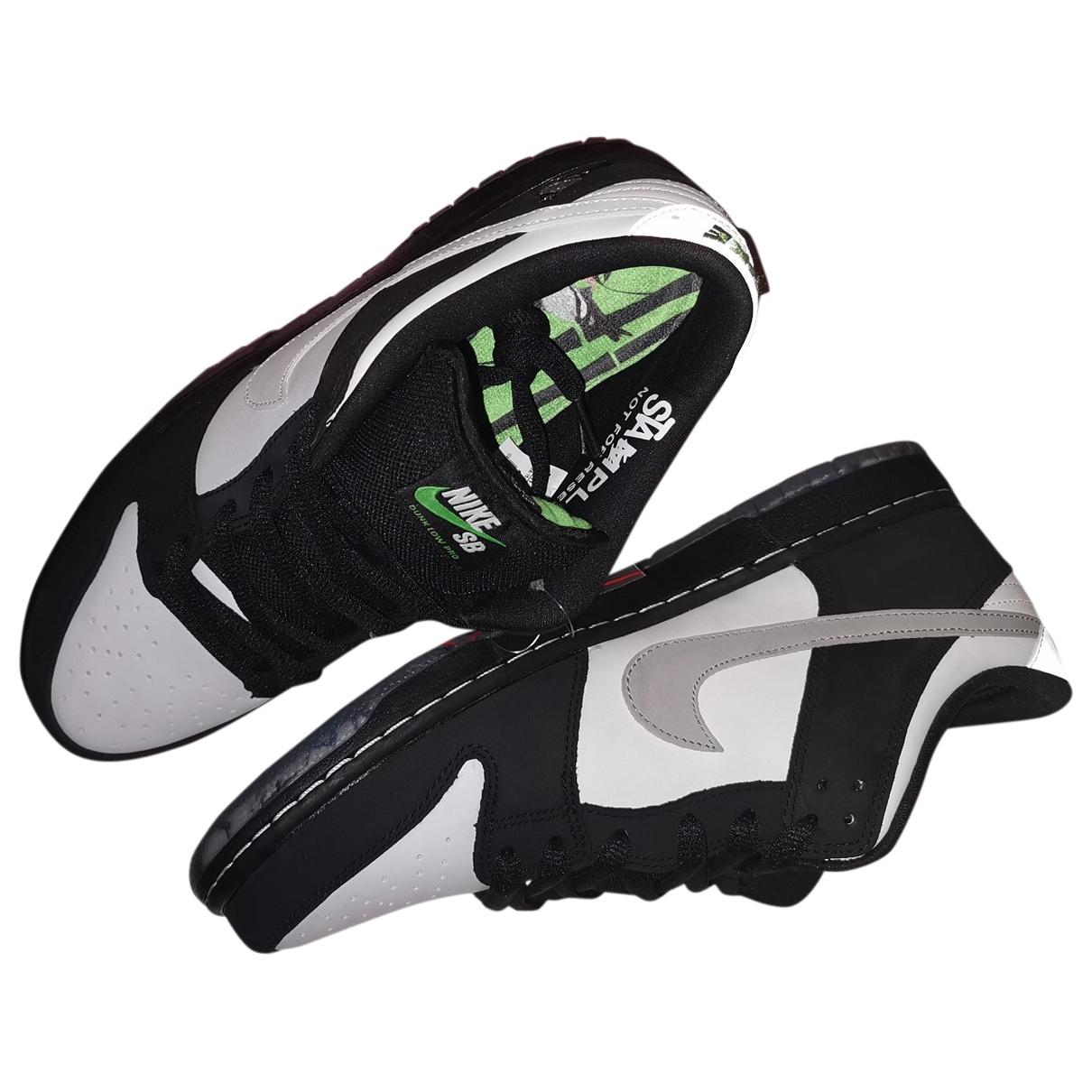 Nike SB Dunk  Sneakers in  Schwarz Leder