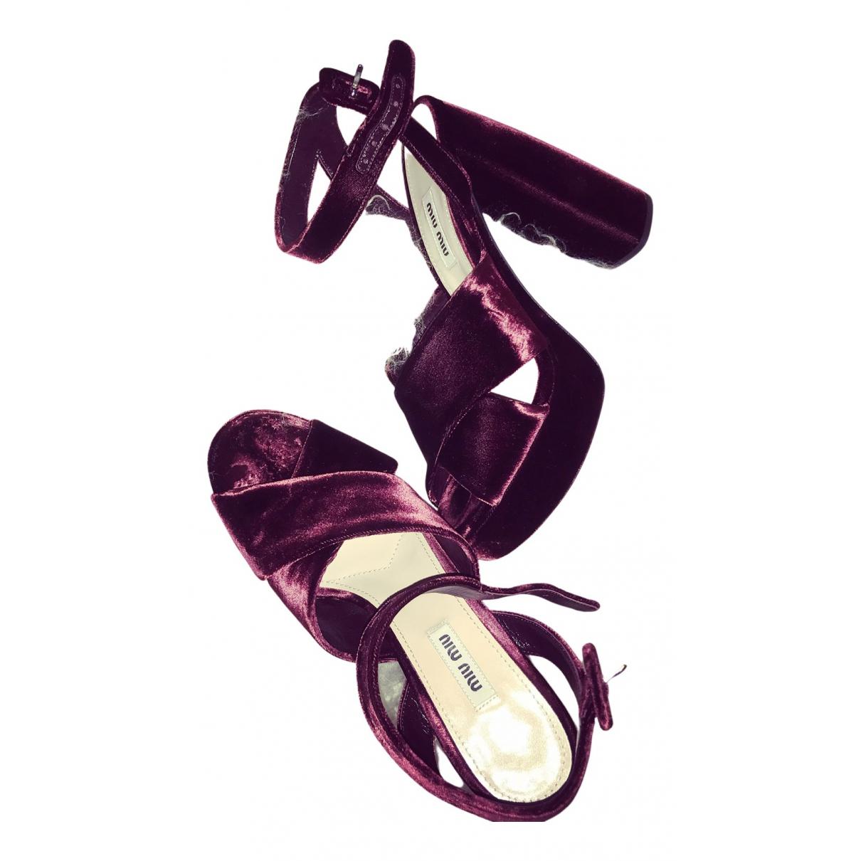 Miu Miu - Sandales   pour femme en velours - bordeaux