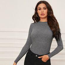 Einfarbiger Pullover mit regulaeren Ärmeln