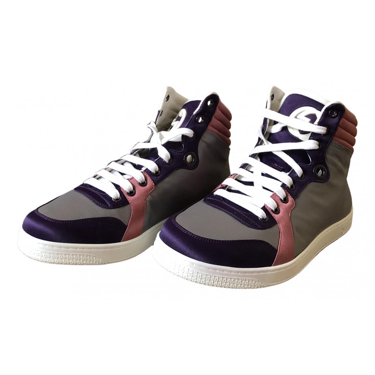 Gucci \N Sneakers in  Bunt Leder