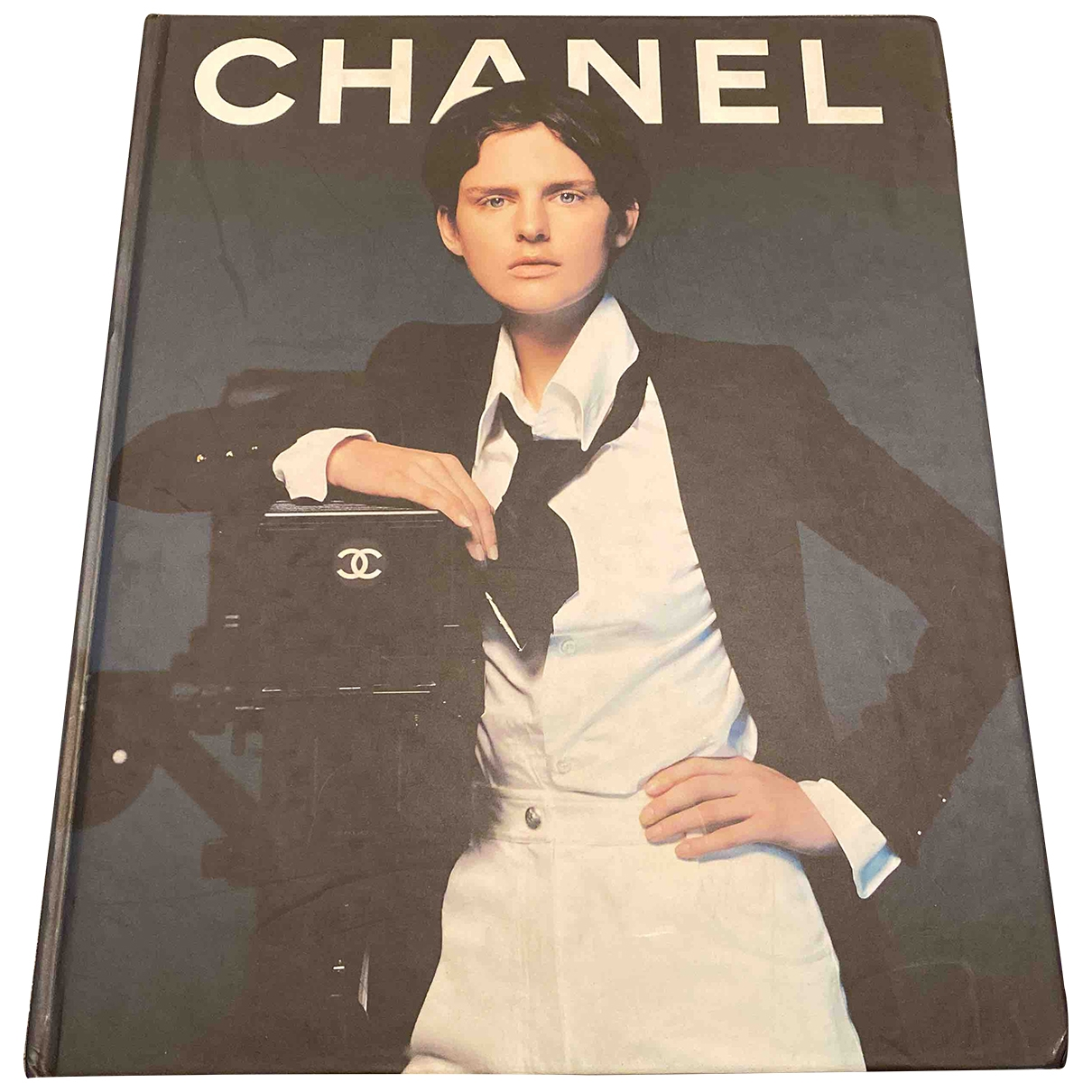 Chanel \N Anthracite Wood Fashion for Life & Living \N