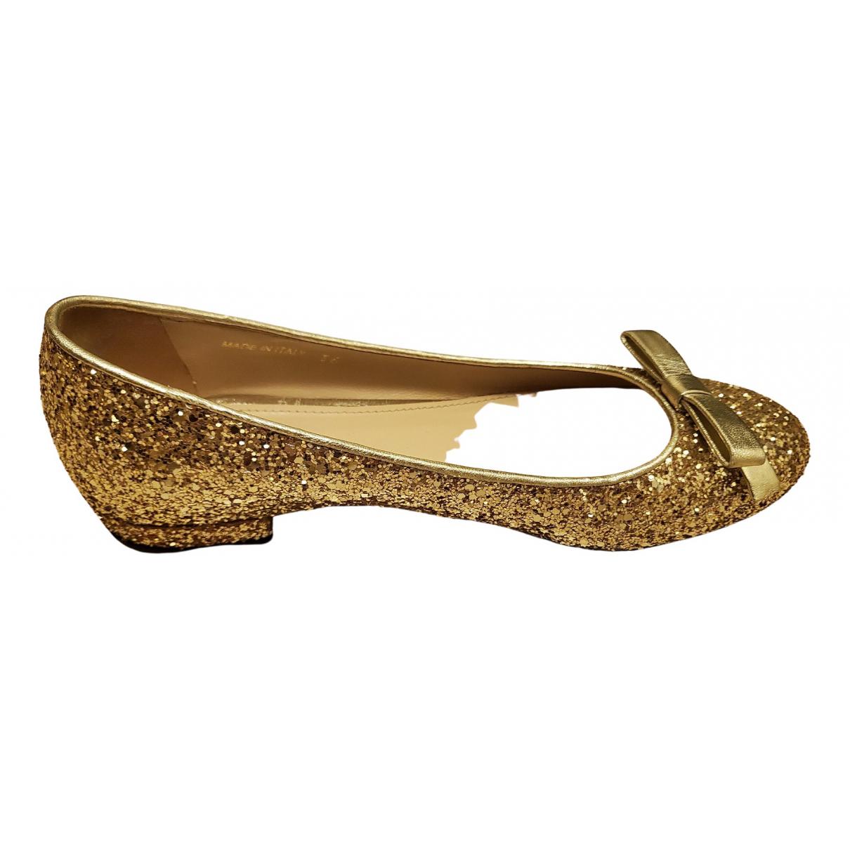 Miu Miu \N Ballerinas in  Gold Mit Pailletten