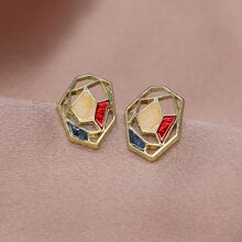 Hollow Out Geo Design Stud Earrings