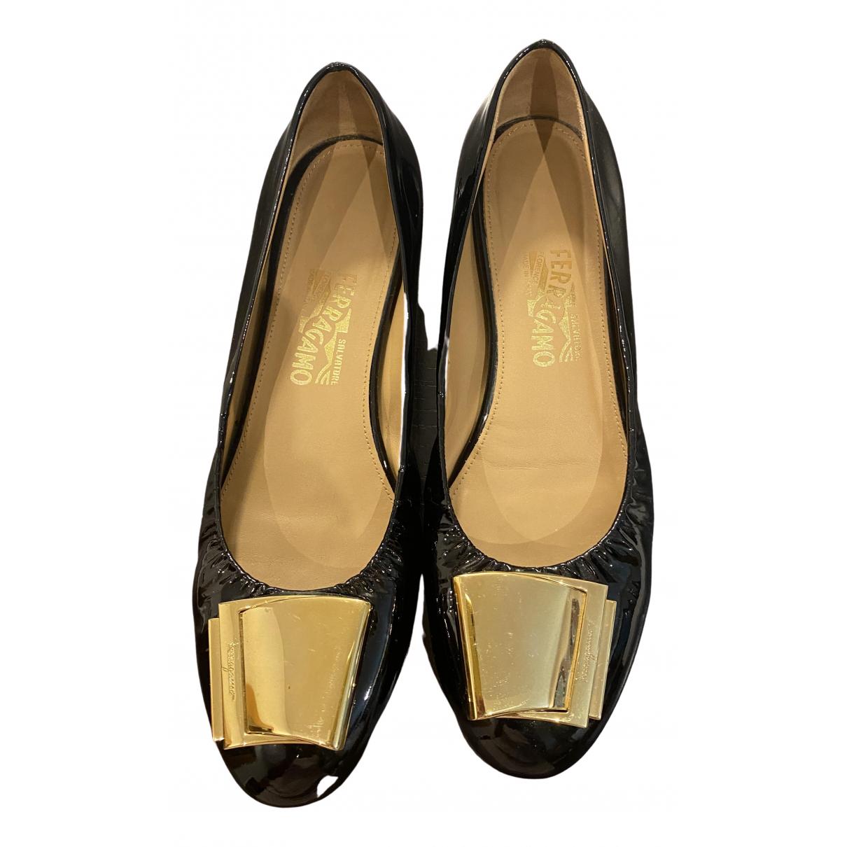 Salvatore Ferragamo \N Black Patent leather Ballet flats for Women 9 US