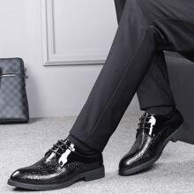 Zapatos de vestir de hombres con diseño de cocodrilo