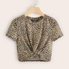 T-Shirt mit Twist am Saum und Leopard Muster