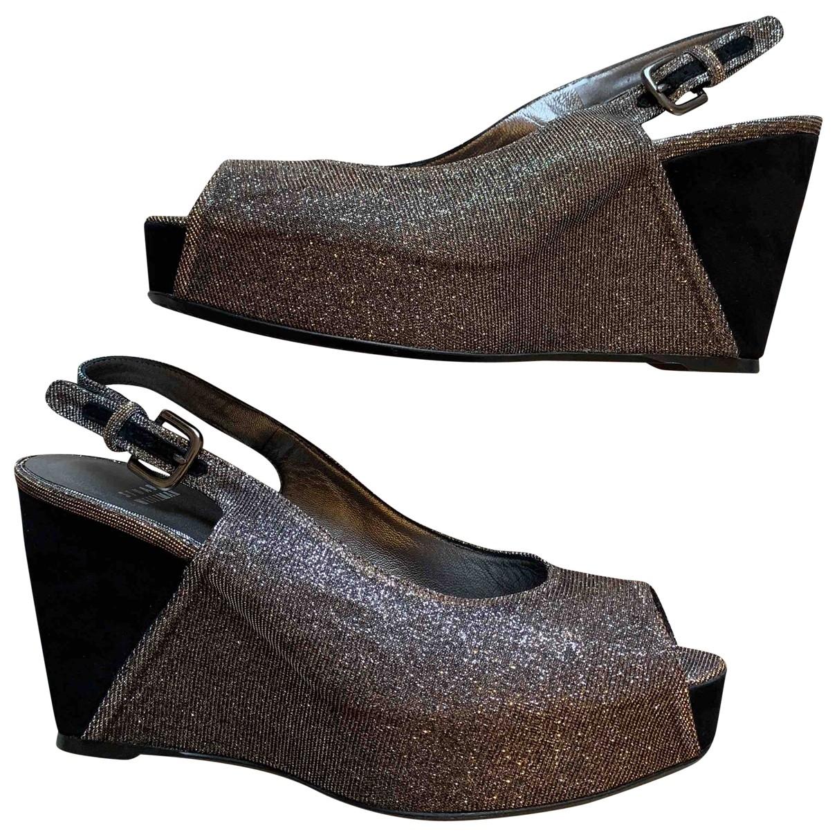 Stuart Weitzman \N Metallic Sandals for Women 40 EU