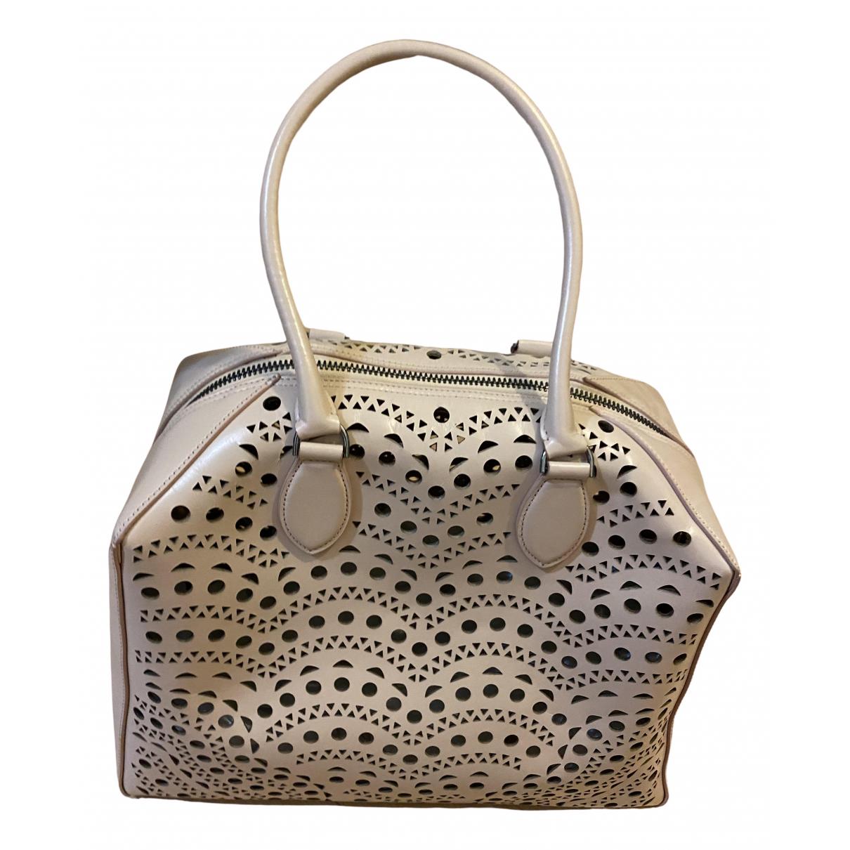 Alaïa \N Beige Leather handbag for Women \N