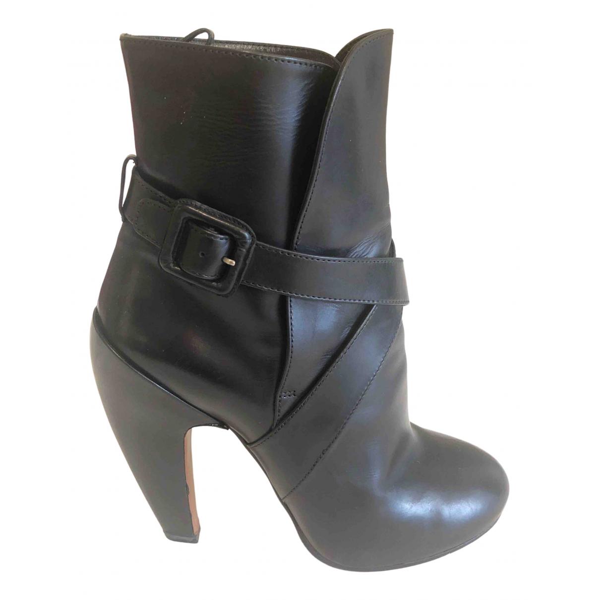 Alaïa \N Black Leather Ankle boots for Women 39 EU