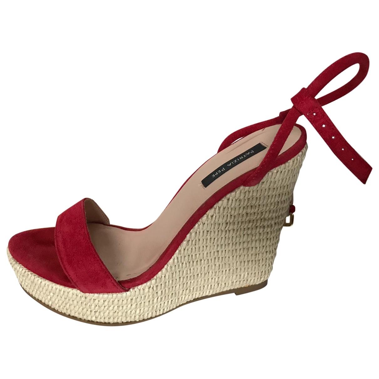 Patrizia Pepe - Sandales   pour femme en suede - rouge