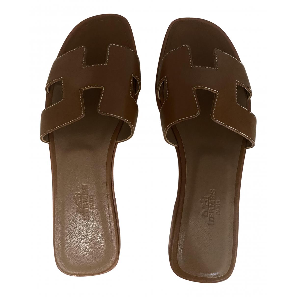 Hermes - Sandales Oran pour femme en cuir - marron