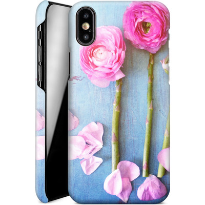 Apple iPhone XS Smartphone Huelle - Cottage Flowers von Joy StClaire