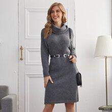 Drop Shoulder Kleid mit Rollkragen ohne Guertel