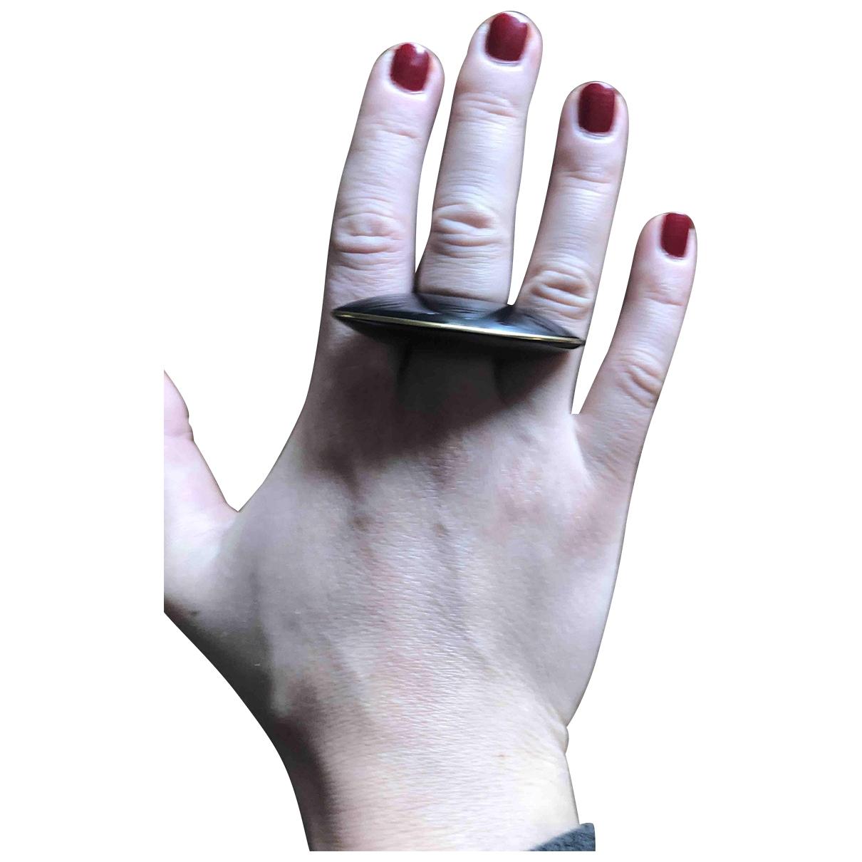 Non Signe / Unsigned \N Ring in  Schwarz Kunststoff