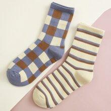 2 pares calcetines con patron de rayas y cuadros