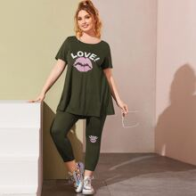 Plus Lip and Letter Graphic Longline Tee and Leggings Set