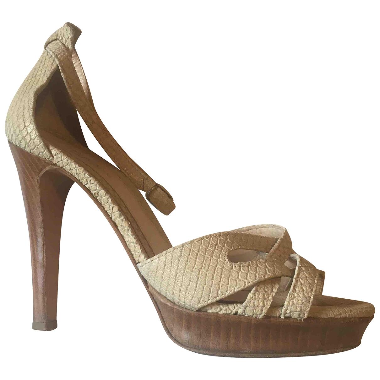 Atelier Mercadal - Escarpins   pour femme en cuir - beige