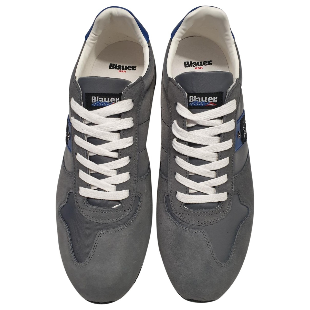 Blauer \N Sneakers in  Grau Veloursleder