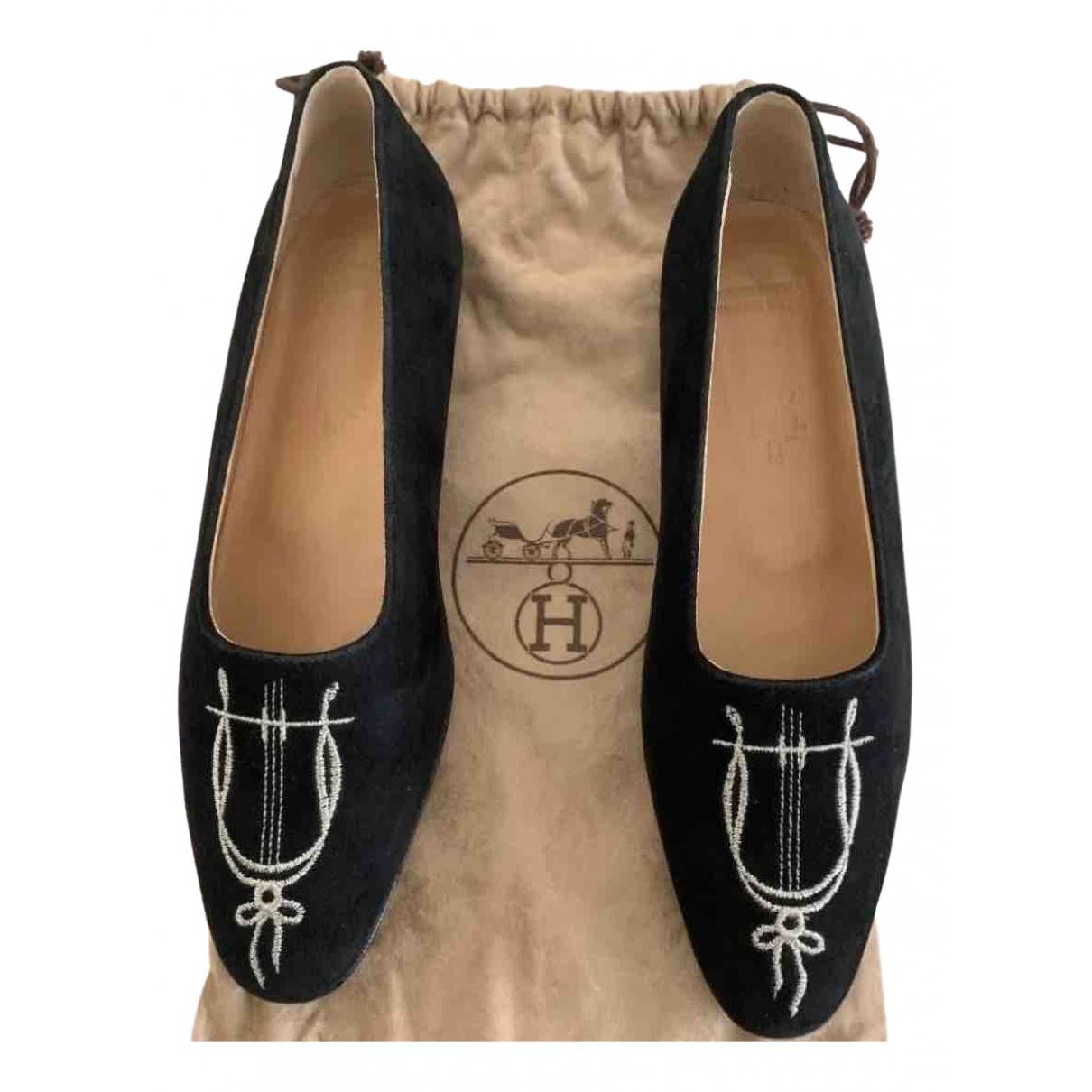 Hermès \N Black Suede Flats for Women 36.5 EU