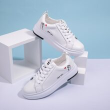 Finger Heart Embroidered Lace-up Front Sneakers