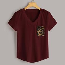 T-Shirt mit Leopard Muster und Taschen
